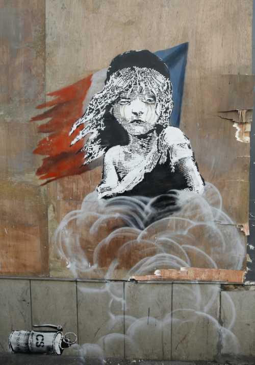 Banksy - Bambina con lacrimogeno e bandiera francese
